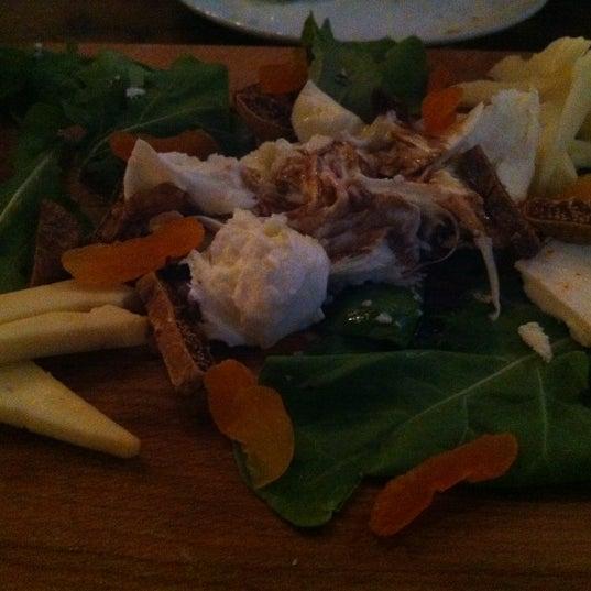 9/21/2012 tarihinde Murat C.ziyaretçi tarafından Mica Restaurant & Bar'de çekilen fotoğraf