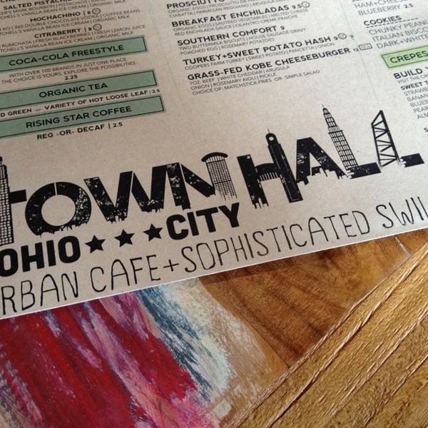 Foto diambil di TownHall oleh Allen H. pada 6/16/2013