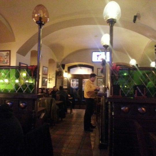 Снимок сделан в Pivovar U Tří růží пользователем Павел Д. 12/12/2012