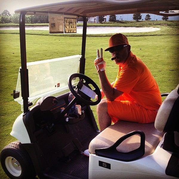 Foto tomada en 1757 Golf Club por Brian P. el 5/22/2014