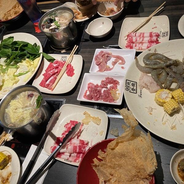 Foto scattata a 99 Favor Taste 99號餐廳 da Naomi L. il 11/20/2020