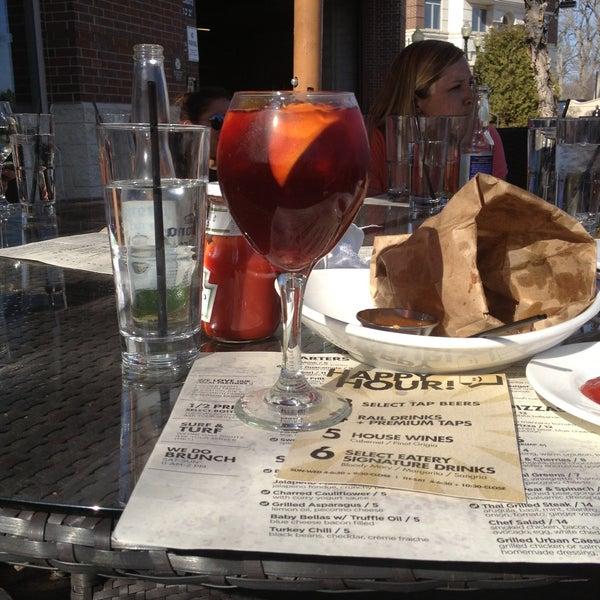 4/26/2013 tarihinde Miguel C.ziyaretçi tarafından Urban Eatery'de çekilen fotoğraf