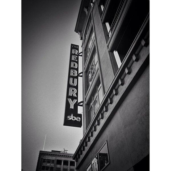 4/18/2013 tarihinde Rolando Deeohz M.ziyaretçi tarafından The Redbury'de çekilen fotoğraf