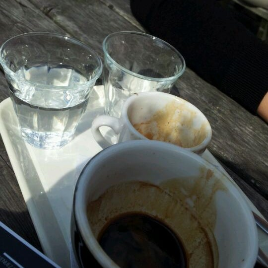 Foto tomada en Espressofabriek por Chaim K. el 8/20/2011