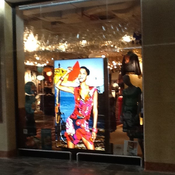 farblich passend Einkaufen bester Service Desigual Verona Porta Nuova - Borgo Milano - 2 consigli da ...