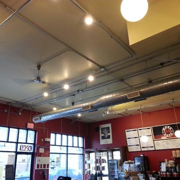 Снимок сделан в Mars Cafe пользователем Central Florida T. 4/13/2014