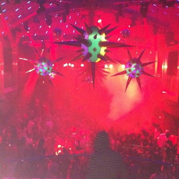 2/22/2013 tarihinde Chelly L.ziyaretçi tarafından LIV Miami'de çekilen fotoğraf