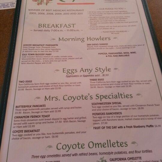 รูปภาพถ่ายที่ Cafe Coyote โดย Shawn M. เมื่อ 11/11/2012
