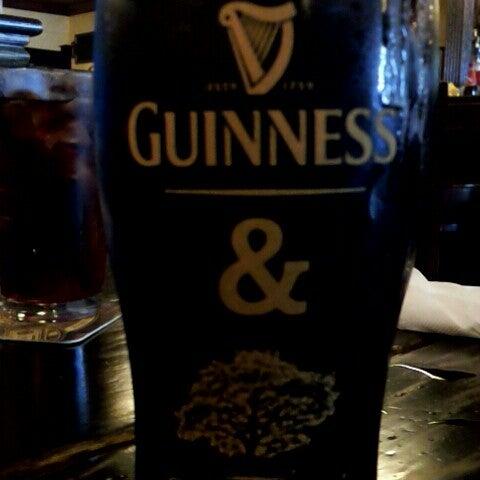 6/15/2013にTim H.がThe Grafton Irish Pub & Grillで撮った写真