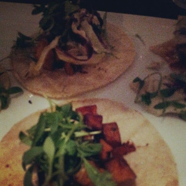 Das Foto wurde bei Tortilla Republic von Tj C. am 9/17/2012 aufgenommen