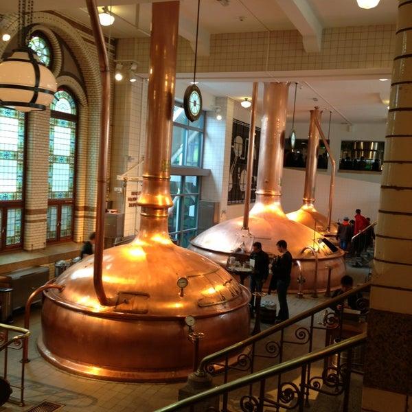 Das Foto wurde bei Heineken Experience von Natalia T. am 5/2/2013 aufgenommen
