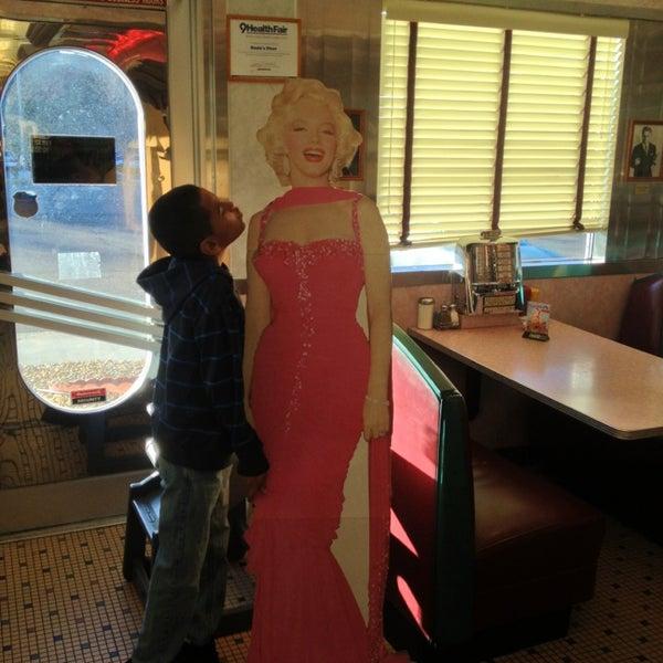 Foto tirada no(a) Rosie's Diner por Mrkartoons G. em 2/18/2013