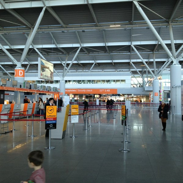 3/25/2013에 Stefan G.님이 바르샤바 쇼팽 공항 (WAW)에서 찍은 사진