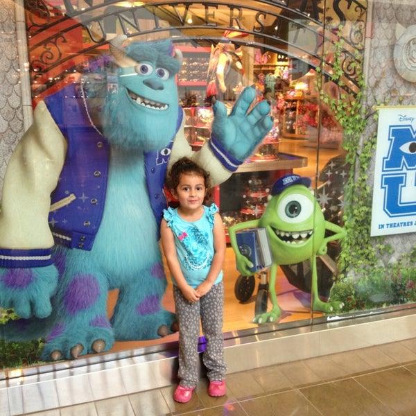 5/30/2013 tarihinde Stephani P.ziyaretçi tarafından NorthPark Center'de çekilen fotoğraf