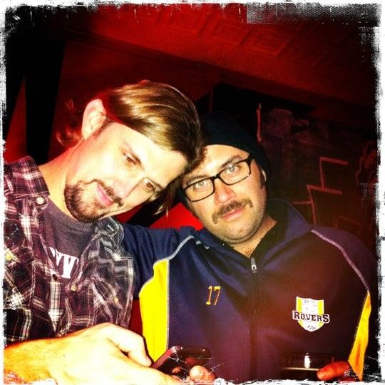 Foto tomada en Allen Street Hardware Cafe por Thom W. el 11/30/2012