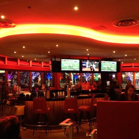Снимок сделан в Kings Dining & Entertainment пользователем Donnell P. 12/28/2012