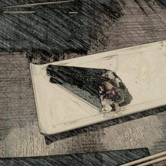 Foto tomada en Yatta Sushi por Robson T. el 11/20/2012
