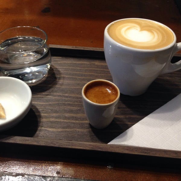 Foto scattata a Café Avellaneda da Carlos D. il 5/20/2015