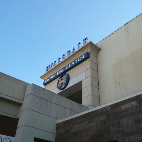 Foto tomada en Hillsdale Shopping Center por Dmytro el 9/16/2012