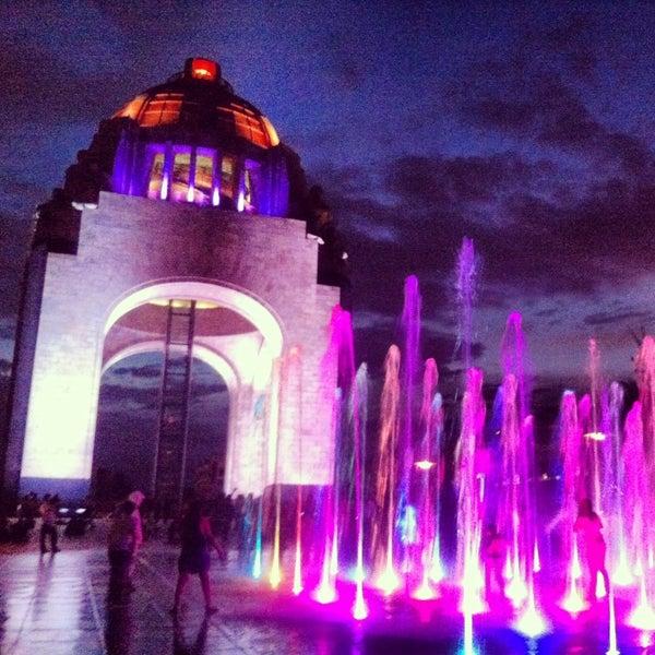 Foto tomada en Monumento a la Revolución Mexicana por ♔ queenthay ♔ el 6/3/2013