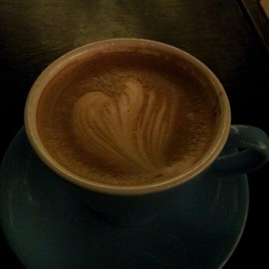 12/2/2012にBart P.がFrogg Coffee Bar and Creperieで撮った写真