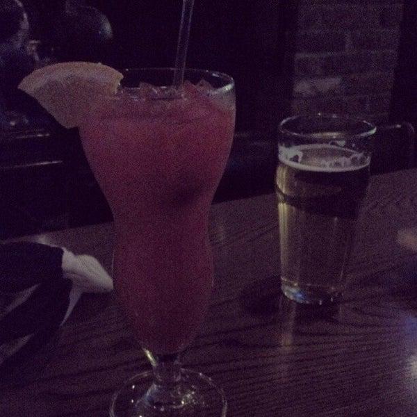 Foto tirada no(a) Bourbon Street Bar & Grille por Desiree M. em 1/3/2013