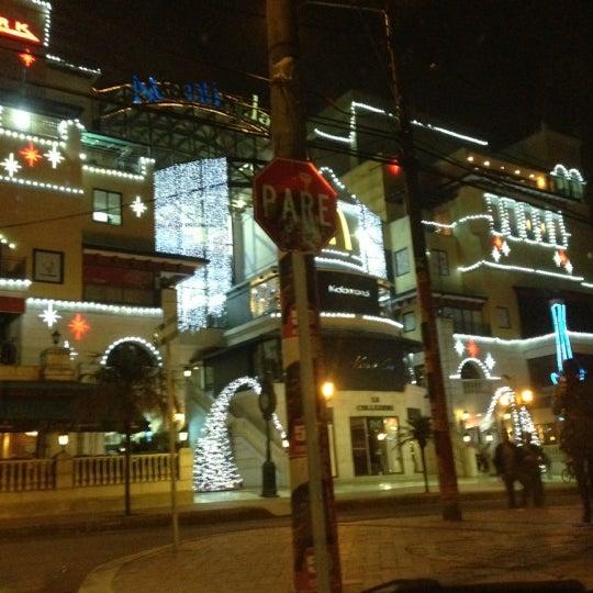Foto diambil di Atlantis Plaza oleh Arturo C. pada 11/20/2012