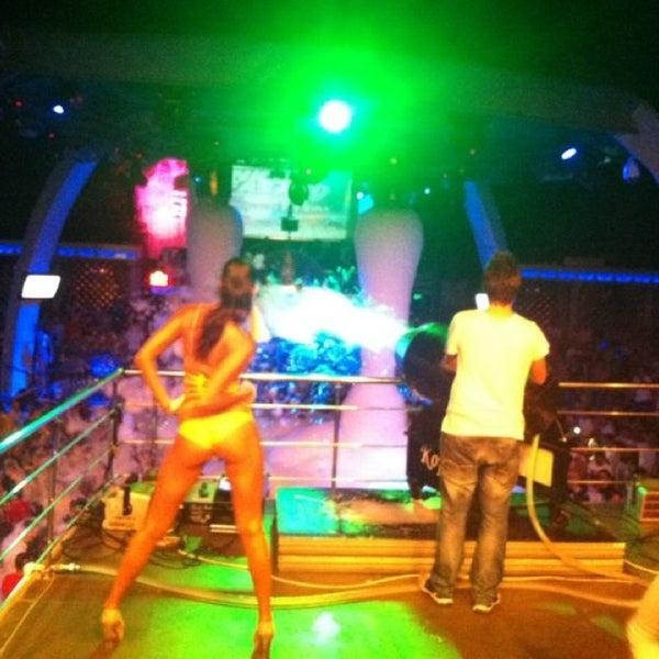 รูปภาพถ่ายที่ Club Inferno โดย Tufan (. เมื่อ 7/4/2013