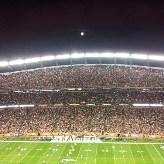 Foto diambil di Broncos Stadium at Mile High oleh Jamie S. pada 10/29/2012