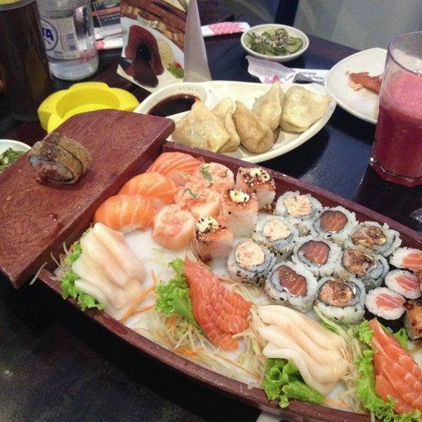 Foto tirada no(a) Kodai Sushi por Matheus F. em 2/21/2013