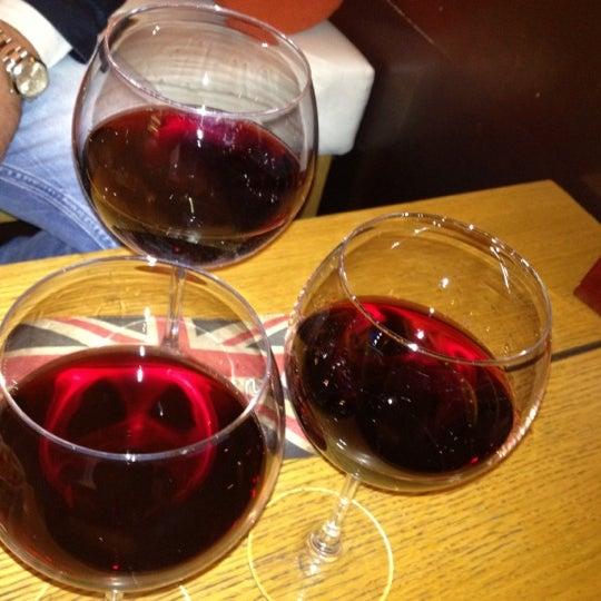 Foto diambil di Sevent In Lounge Bar Ristorante oleh Martin H. pada 10/29/2012