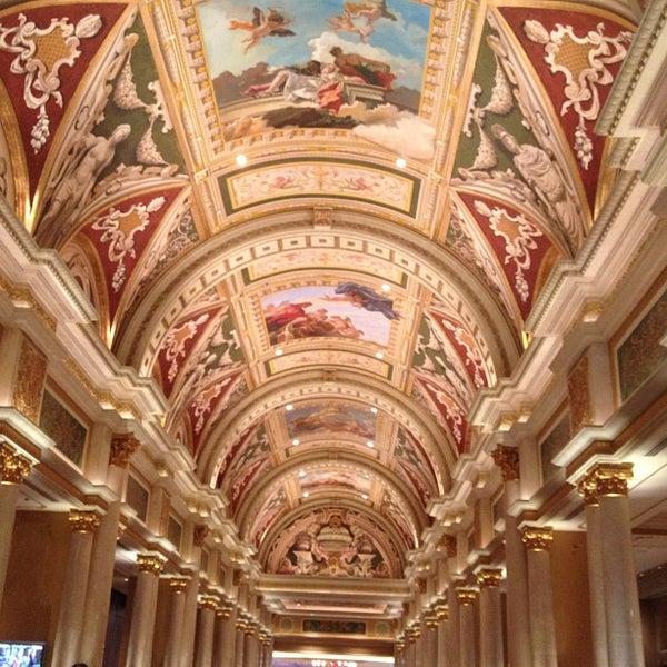 Foto tirada no(a) Venetian Resort & Casino por Lena em 4/2/2013