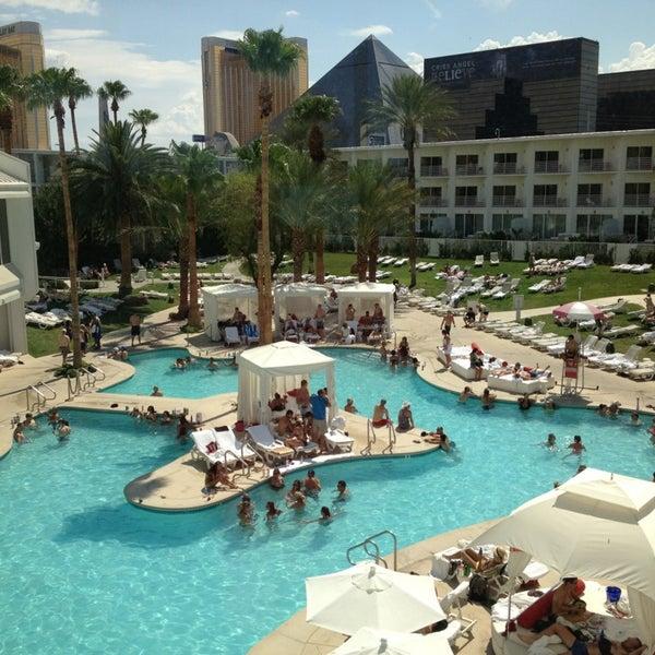 Снимок сделан в Tropicana Las Vegas пользователем Pauline B. 7/21/2013