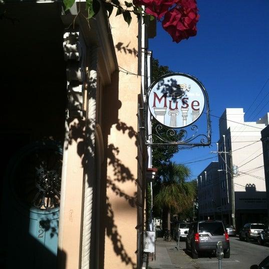 Foto tirada no(a) Muse por Ashley C. em 10/19/2012