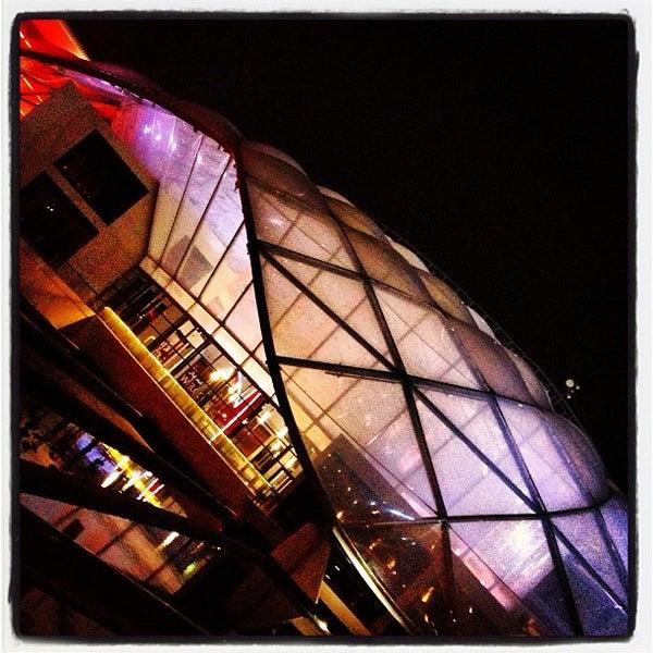Foto tomada en Ferrari World Abu Dhabi por Irina R. el 2/23/2013