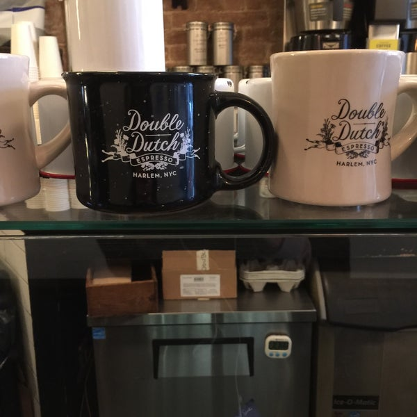 รูปภาพถ่ายที่ Double Dutch Espresso โดย Reb T. เมื่อ 1/20/2017