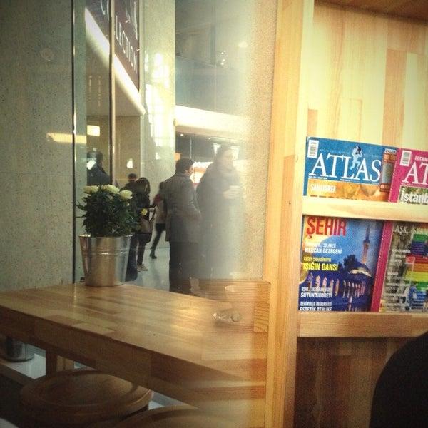 2/7/2014にDerya Y.がLevent Kafeで撮った写真