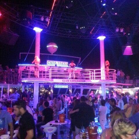 6/16/2013 tarihinde Uğur Ş.ziyaretçi tarafından Club Catamaran'de çekilen fotoğraf