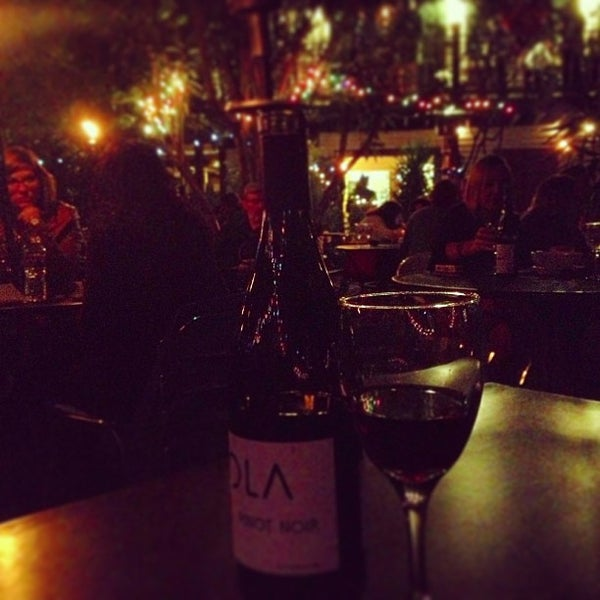 Photo prise au Bacchanal Wine par Barrett W. le4/21/2013