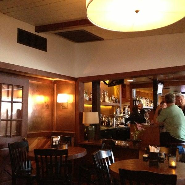 Foto tirada no(a) Mo's Restaurant por Hande A. em 8/3/2013