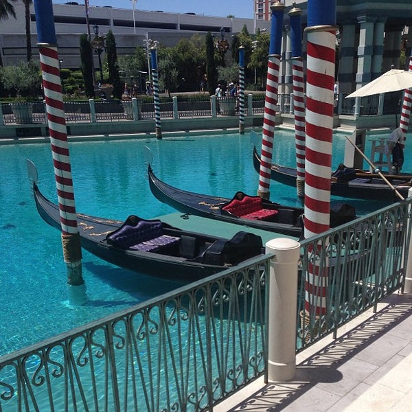 Foto tirada no(a) Venetian Resort & Casino por Heather M. em 6/23/2013
