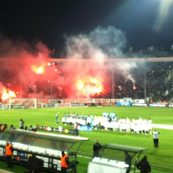 รูปภาพถ่ายที่ Toumba Stadium โดย Christos A. เมื่อ 3/17/2013