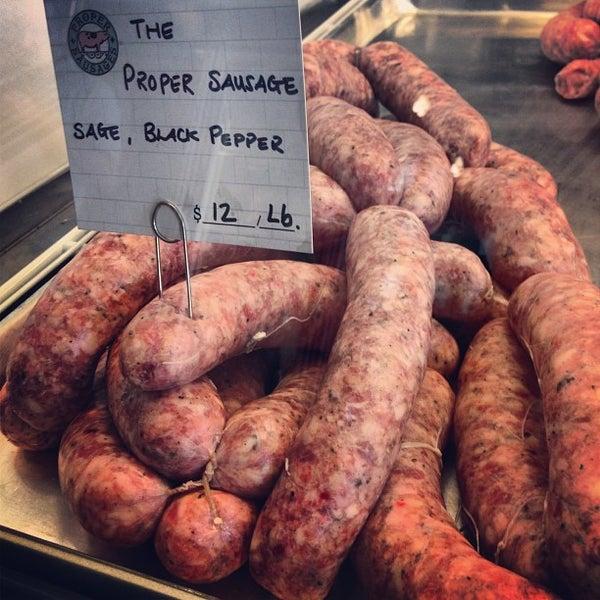 Foto tirada no(a) Proper Sausages por Fatgirl H. em 4/25/2013