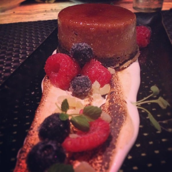 Foto tirada no(a) HaVen Gastro-Lounge por Fatgirl H. em 4/23/2013