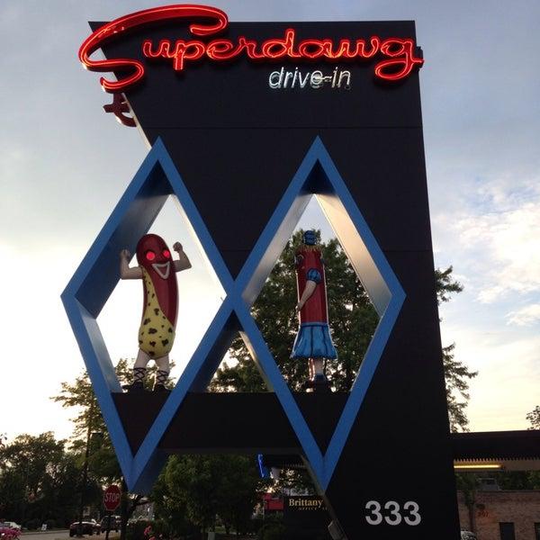 Снимок сделан в Superdawg Drive-In пользователем Tracy B. 6/16/2013