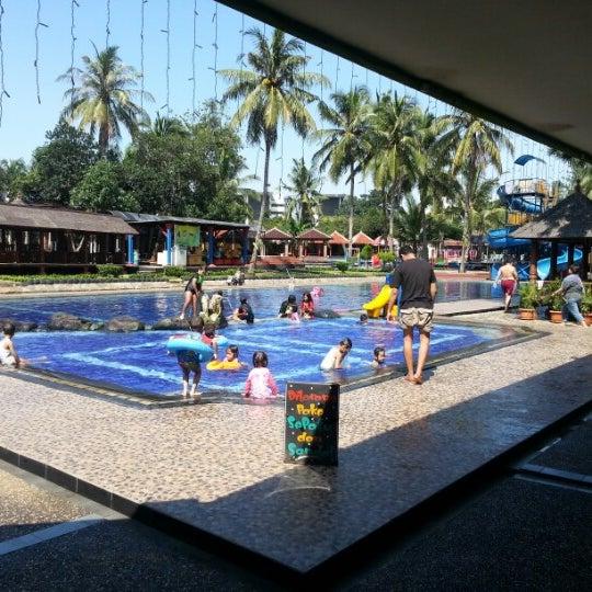 Fotos Em Taman Wisata Pulau Situ Gintung Lago