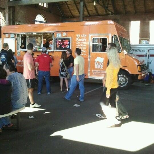 Foto tirada no(a) South End Open Market @ Ink Block por Shauna T. em 9/23/2012