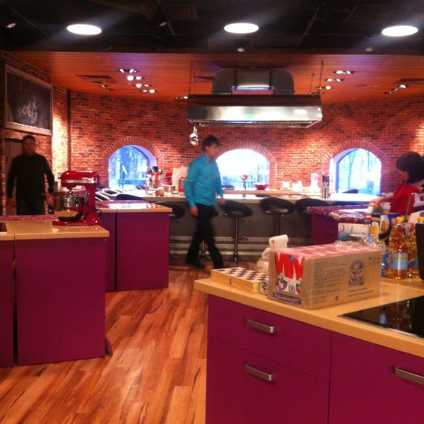 รูปภาพถ่ายที่ Culinaryon โดย Татьяна Б. เมื่อ 3/3/2013
