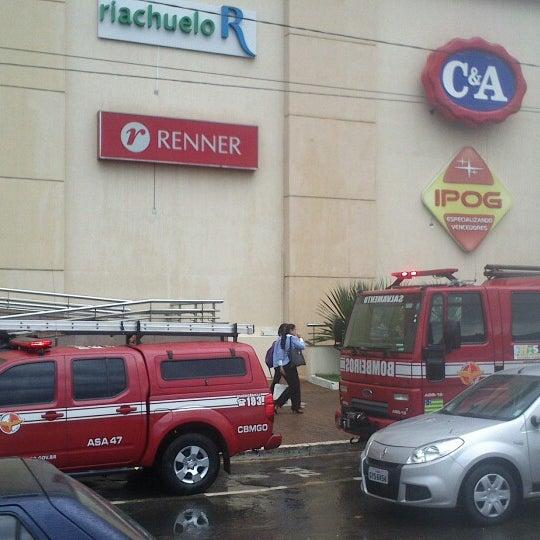 3/2/2013 tarihinde Leandro S.ziyaretçi tarafından Goiânia Shopping'de çekilen fotoğraf