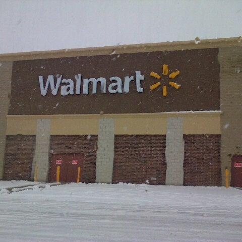 Walmart Supercenter - Big Box Store in Waukegan